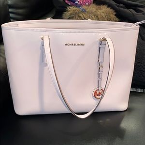 MICHAEL KORS SAFFIANO LEATHER SOFT PINK TOTE-BAG